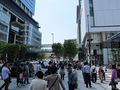 グランフロント大阪の東(2013/5/5)