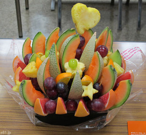 昨年、見本市で食べました「ハッピーカラフルーツ」