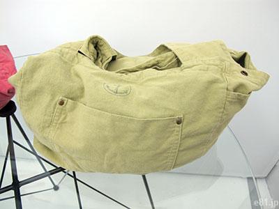 「古着屋さんで見つけたような 大きめくたくたトートバッグ」