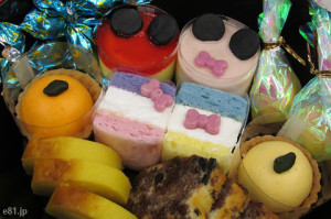 「おせち・ミッキーマウス・シルエット三段重」に入っているオリジナルスイーツ。ミッキー、ミニー、ドナルド、デイジー、グーフィー、プルートをイメージしています