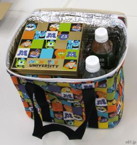 「おせち・モンスターズ・ユニバーシティ四段重」に付属する保冷バッグ