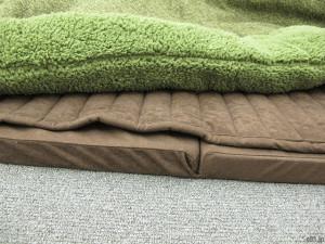 「ふわふわコーナークッションセット」の敷物。厚さ4センチのものです。