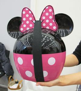 ベルメゾンのおせち「ミニーマウス・シルエット三段重」
