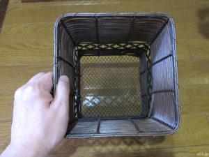 「イイハナ・ドットコム」で購入した『鉢植え「アジサイ フェアリーアイ」』に付属しているバスケット