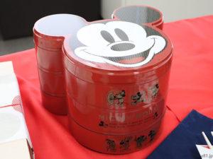 ベルメゾンネットで販売中の「ミッキーマウス三段重」